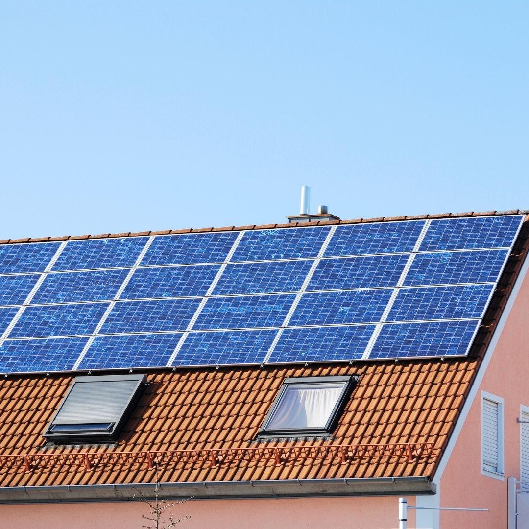 ahorro-de-costes-en-hosteleria-energias-renovables